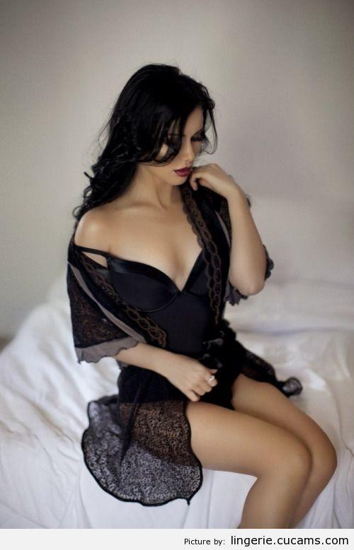 Lingerie Babe Ebony by lingerie.cucams.com