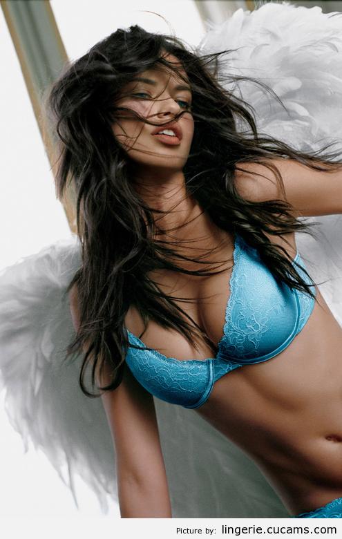 Lingerie Piss Reverse by lingerie.cucams.com