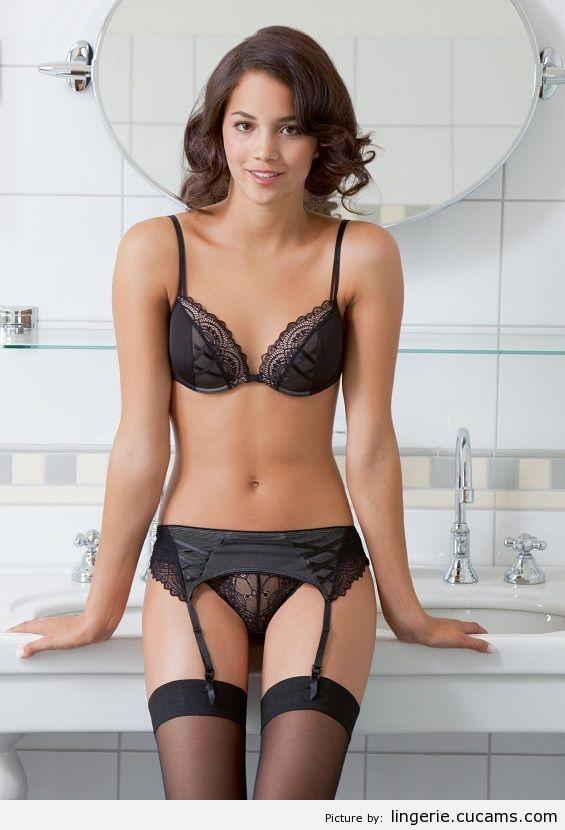 Lingerie Female Stripper by lingerie.cucams.com