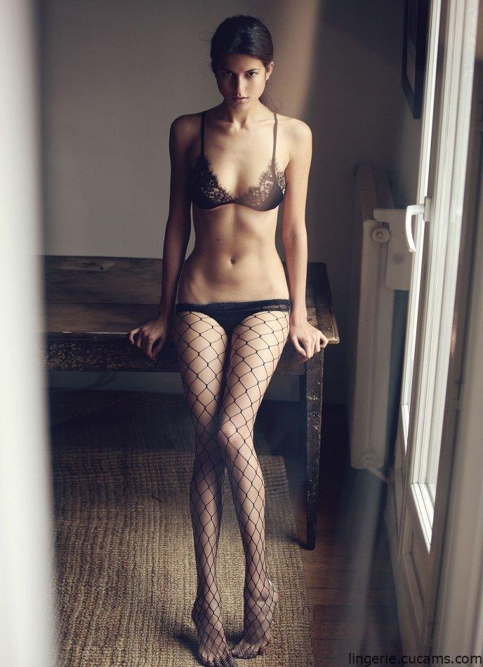 Lingerie Costume Webcam by lingerie.cucams.com