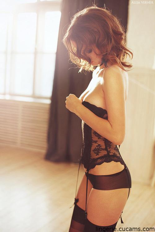 Lingerie Nude Mirror by lingerie.cucams.com